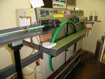Dedicated machine for an ultra-fine wire cut4