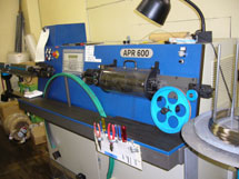 Dedicated machine for an ultra-fine wire cut3
